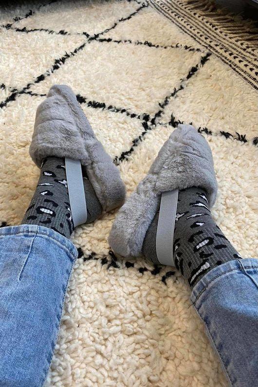 The Foot Huggs Dove