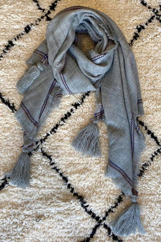 The Oversized Peruvian Tassel Scarf Grey