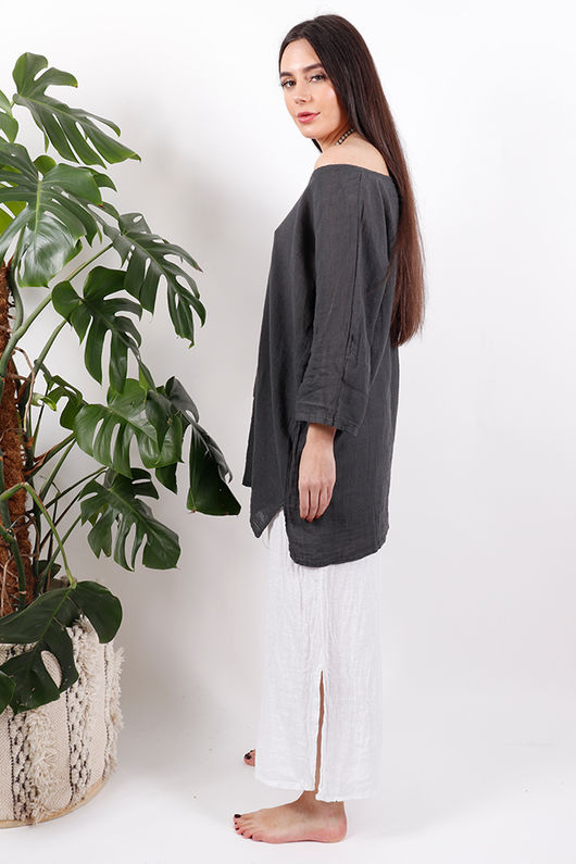 The Pure & Simple Top Graphite