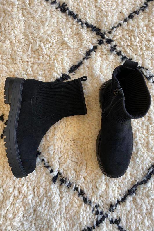 The Santiago Boot Black